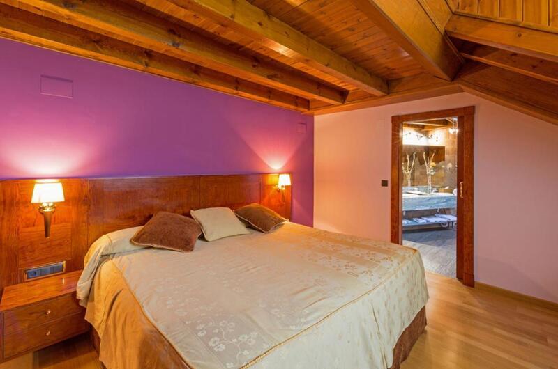 Fotos de Hotel Castellarnau en ESCALO, España (8)