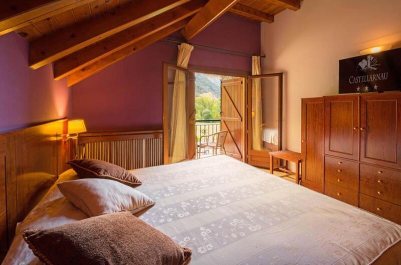 Fotos de Hotel Castellarnau en ESCALO, España (9)