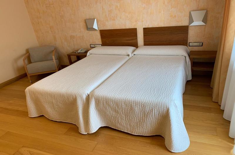 Fotos de Hotel Los Nogales en CAMPO, España (8)