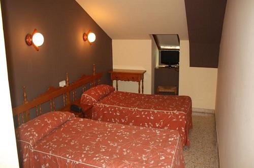 Fotos de Hotel Montsant en BORDAS, LAS DE VILALLER, España (3)