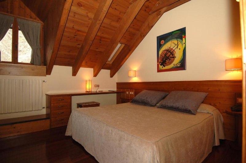 Fotos de Hotel Riberies en LLAVORSI, ESPANYA (10)