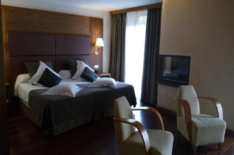 Fotos de Hotel Riberies en LLAVORSI, ESPANYA (4)