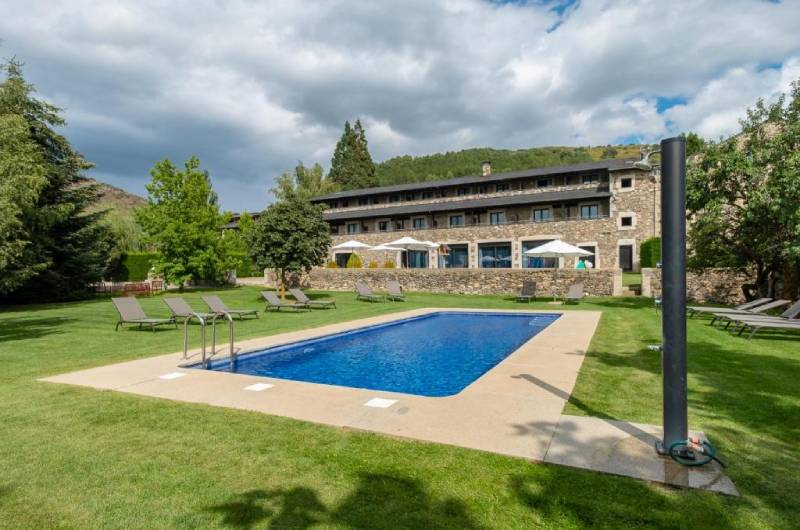 Hotel Bernat De So3
