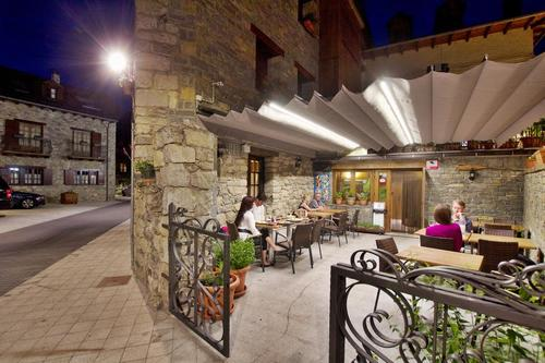 Photos of Hotel L'Aut in ERILL LA VALL, SPAIN (3)