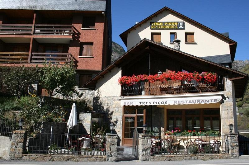 Hotel 3 Picos1